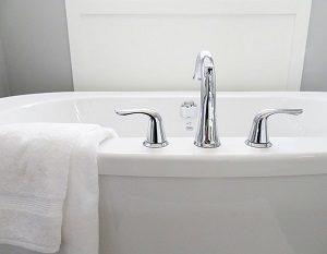 お風呂のカビ退治にはお酢が効く