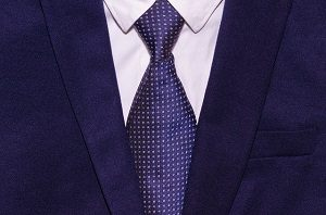 スーツをクリーニングに出すサイクルとは