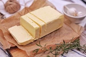 バターとマーガリンの違いとは