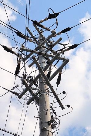 電気の交流と直流の違いとは